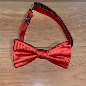 Countess Mara bow tie